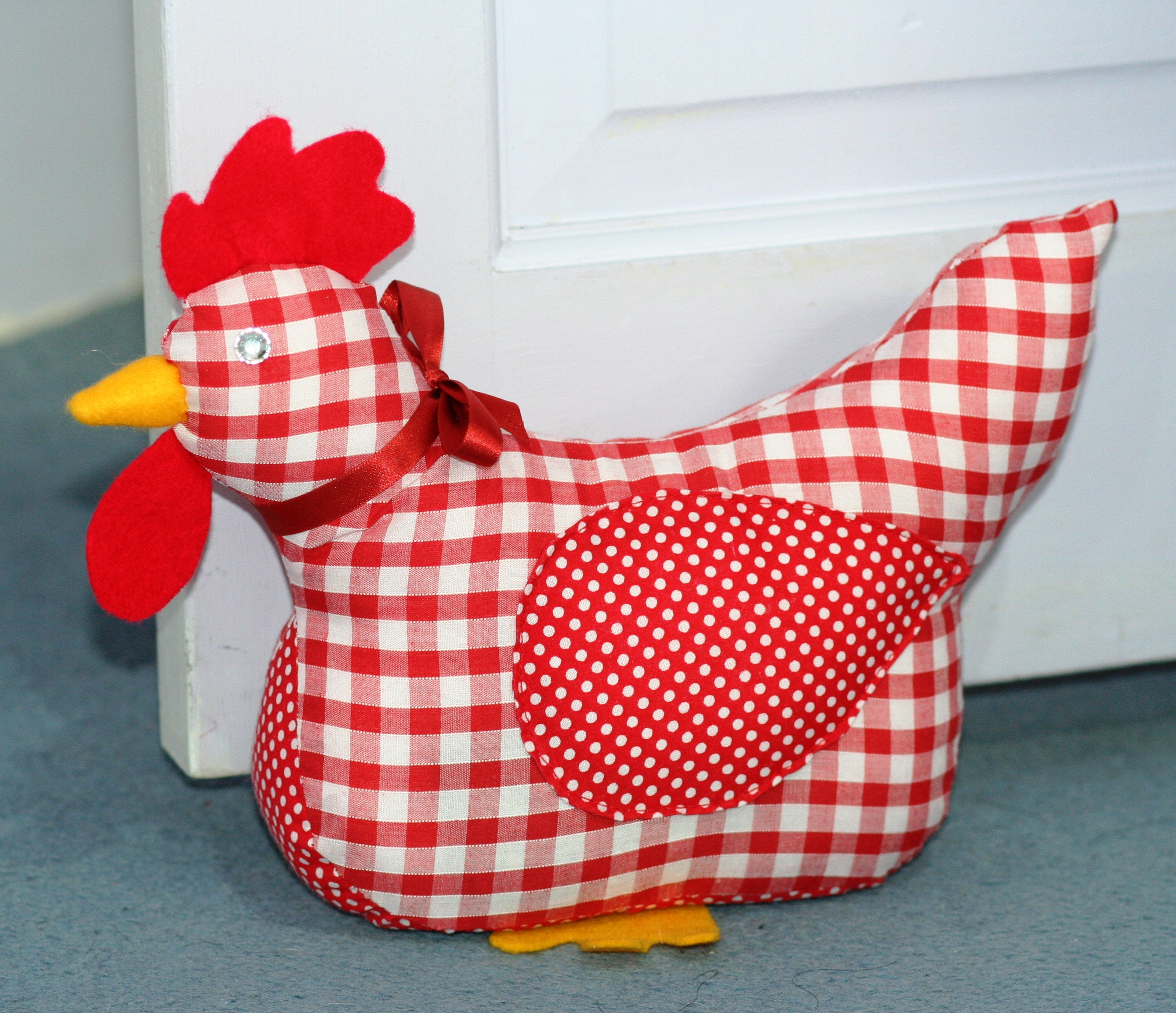 Chicken doorstop red dirah exclusives for Cute homeware accessories